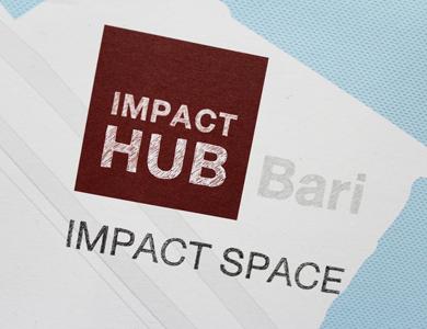 Progettazione grafica brochure Impact Hub Bari – dettaglio
